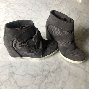 Shoes - EUC Gray Suede Wedge SneakersS 37/6.5